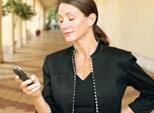 A operadora de celular pode cobrar uma multa por eu sair do plano?
